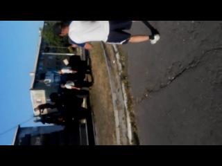 """Батальон """"Донбасс"""" пытается снести памятник В.И.Ленина на Новаторе (Площадка) г.Димитров"""