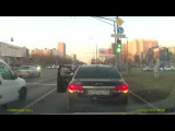 Смекалистый водитель, вооружен и очень опасен :-)